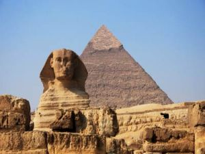 egyptians-build-sphinx-2
