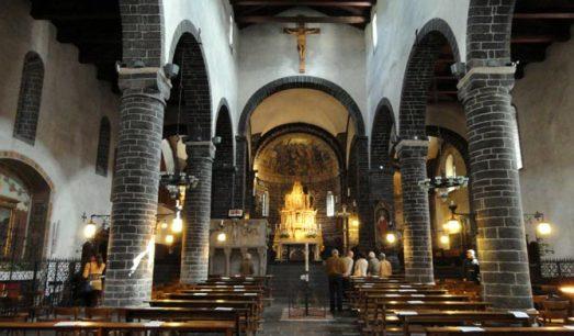 Basilica_di_San_Giacomo_Bellagio_-_DSC02627