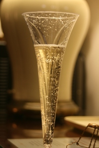 Champagne_glass_flower_stem_shape