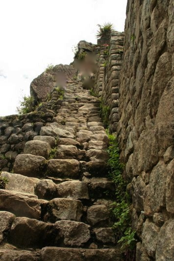 1317500270-the-ruins-of-the-inca-city-machu-picchu_853692